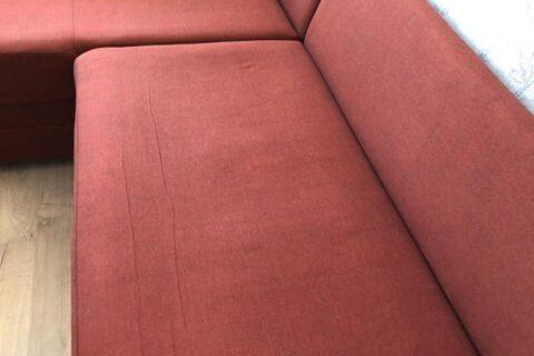 Быстрая химчистка красного дивана для Антонины
